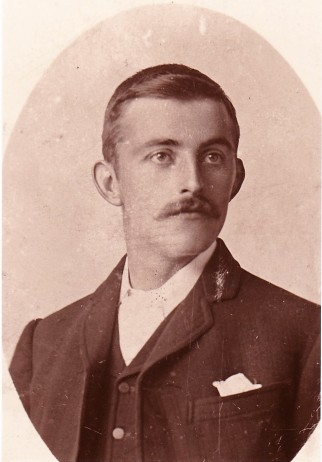 Alfred 1900