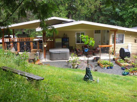 Nanettte & Steve's House